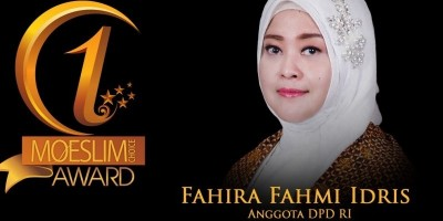DEMOCRACY AWARD: Anggota DPD RI, Fahira Fahmi Idris